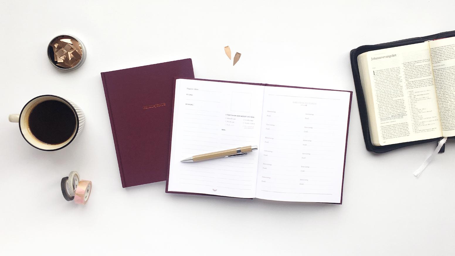 BIBELHJERTE - en notesbog med inspiration til bibellæsning. Reager på og interager med Bibelen, -på en umiddelbar og kreativ måde.