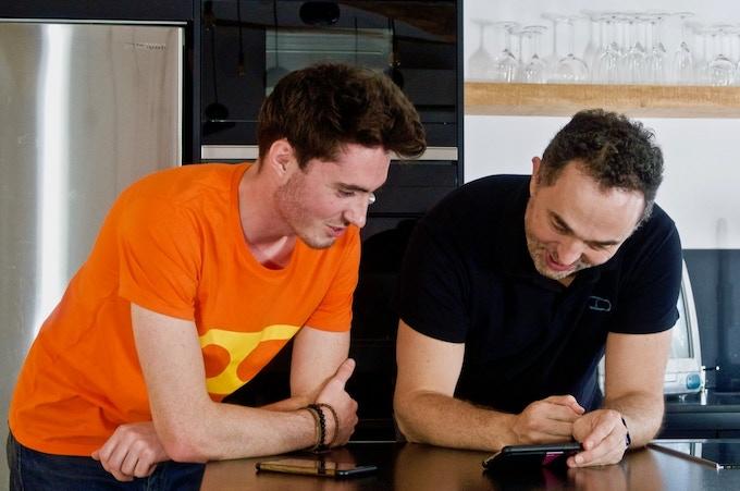Rémi, l'un de nos développeurs web, et Florian, notre rédacteur en chef.