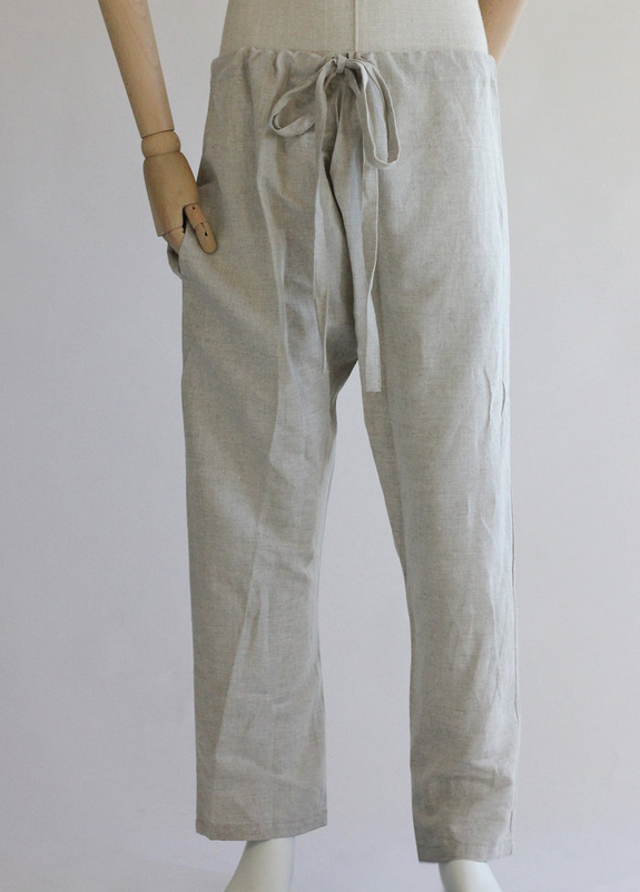 Linen pants, designed for maximum movability. With pockets - nice!
