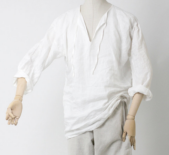 Go full medieval with this comfortable and historically correct linen shirt.