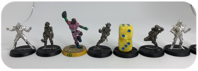 Size comparison Versus Games Workshop Human Catcher, Greebo Obsidian Dusk Elves and 16mm Dice.
