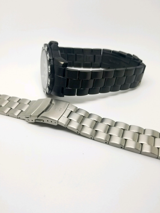 The Wraith with stainless steel bracelet option (add $35 to pledge for upgrade option)