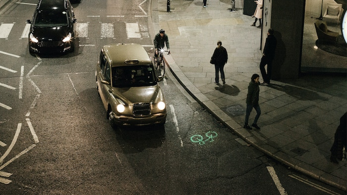 Laserlight projects the symbol of a bike 6m ahead of the rider, allowing them to be seen from the blind spot when otherwise hidden.