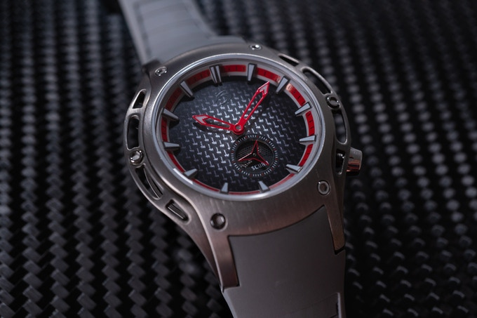 Special texture silver carbon dial