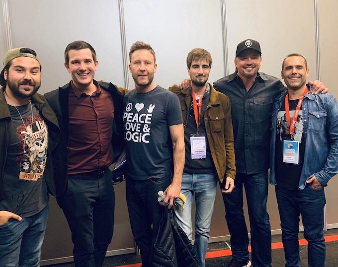 """Rencontre backstage au Paris-Manga 2018 avec Tom Welling (Clark Kent) & Michael Rosenbaum (Lex Luthor) de Smallville qui fut le terreau de base à """"MAN OF TOMORROW"""""""