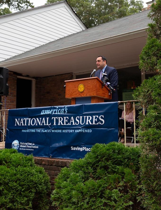 National Treasure Ceremony