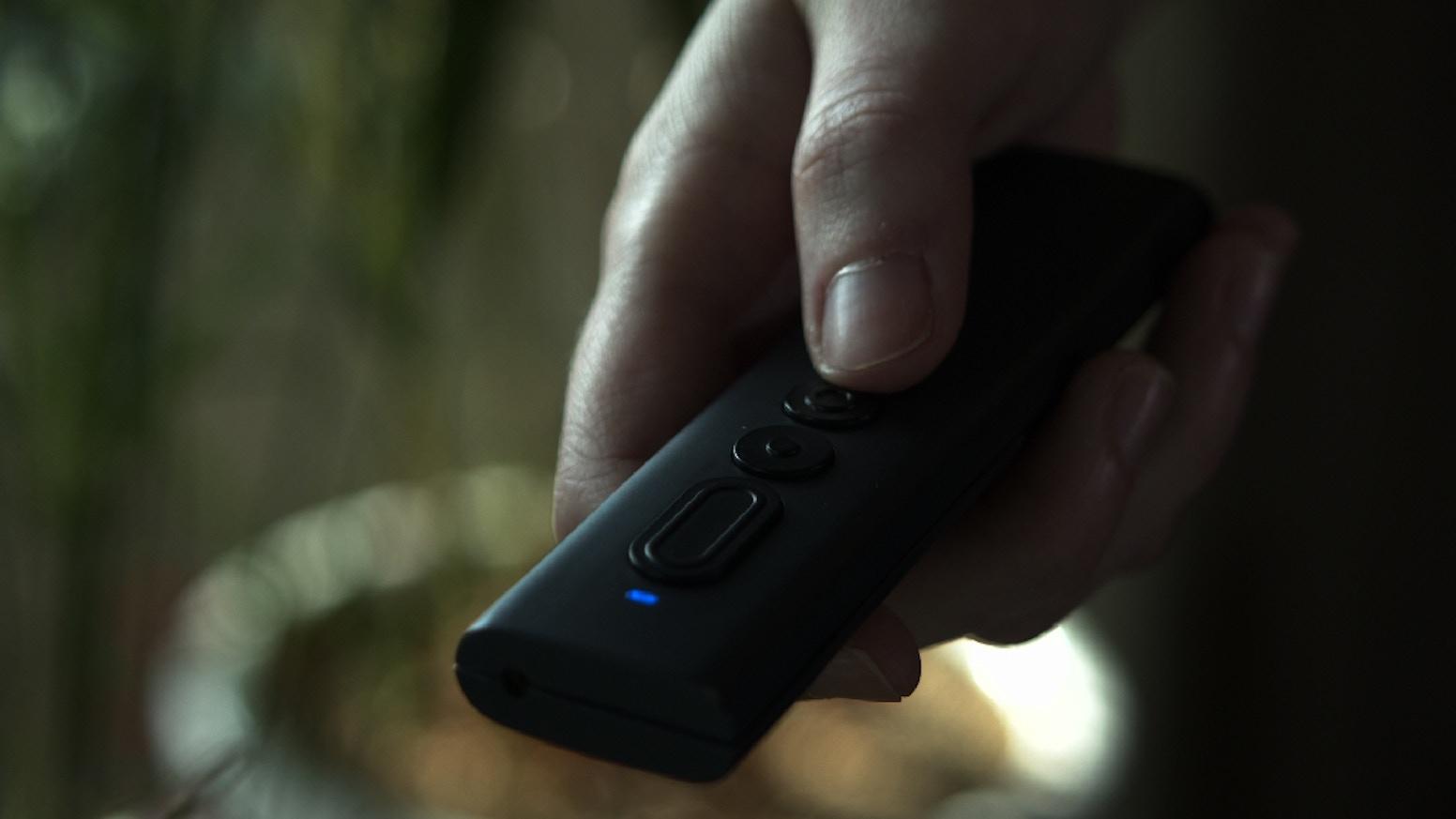 Retro Style Wireless Presentation Remote - Gyro-Sensor , Anti Shake, Red Lazer, Magnifying, Air Pen Mode, RF 2.4Ghz Wireless.