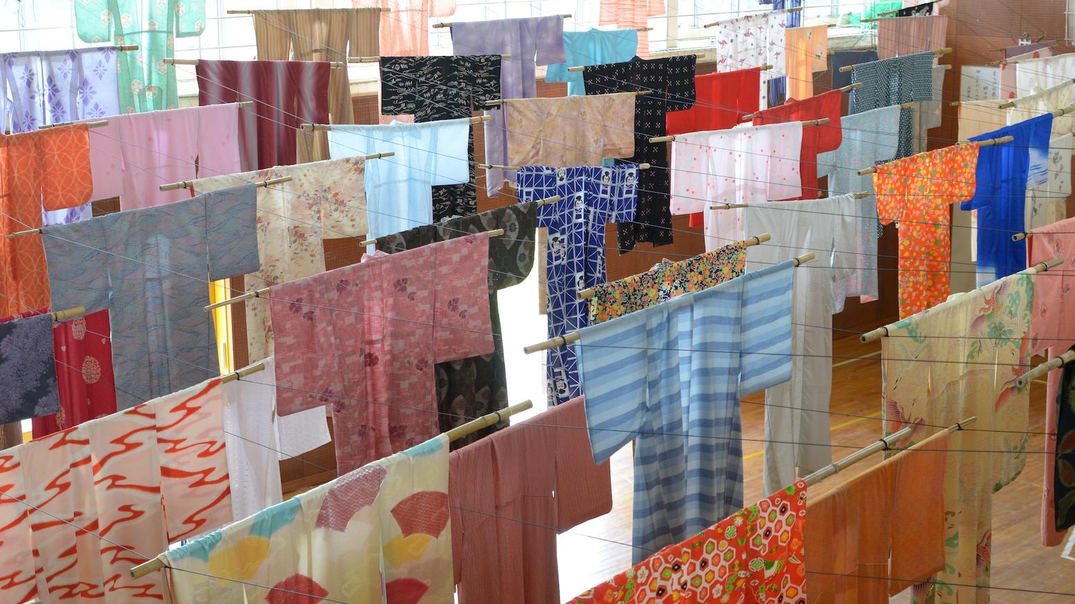 日本で眠る古着の着物を活用して、海外で文化資源の新たなサイクルを作りたい Créer le nouveau cycle de vieux kimonos par la collaboration avec des créateurs de mode à Roubaix