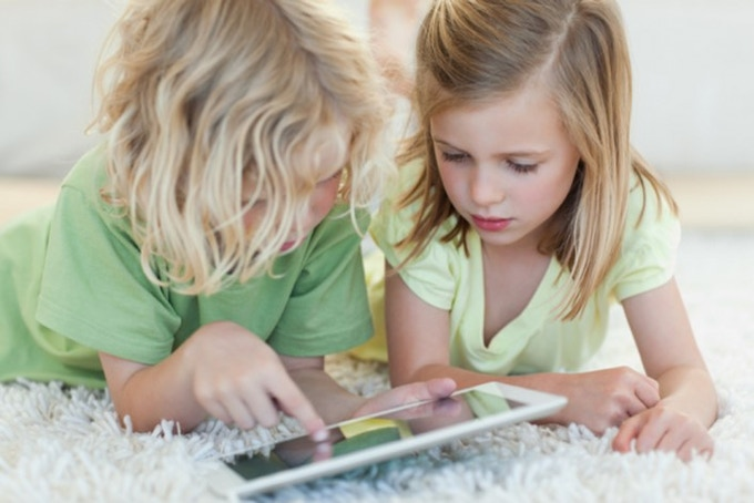 Digital native kids and smart device