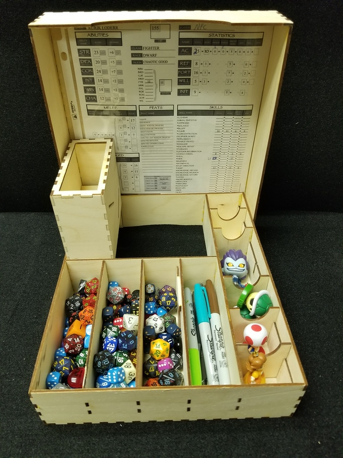 This is just to show how it looks with gear inside.  (I'm aware that most DMs won't allow players to hide their rolls)