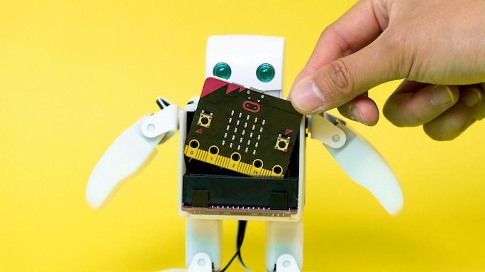 Inserting  micro:bit