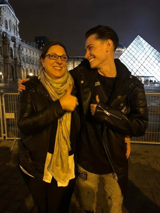 PHOTO: Director GINA HOLE LAZAROWICH with KROW in PARIS!