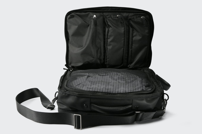 9c65a0875d Flypack - A 48 Hours Business Travel Briefcase by VENQUE — Kickstarter