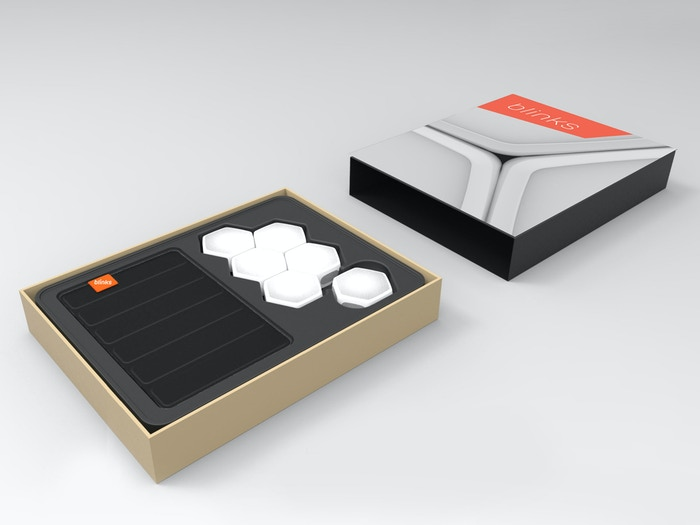 """Each set of 6 Blinks comes with a """"Sushi Roll Case"""" for games on the go!"""