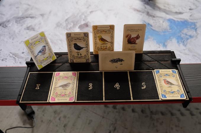 Kartenhalter und Ablage / Card Holder and tray