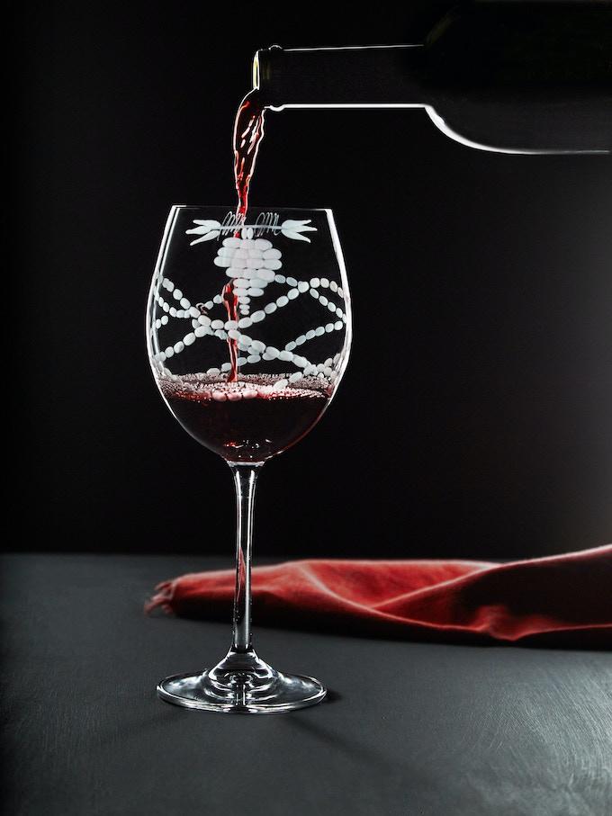 "Pledge 59,00 €. Set of 2 Glasses (seen in video). Code order ""Tuscany Glasses"""""