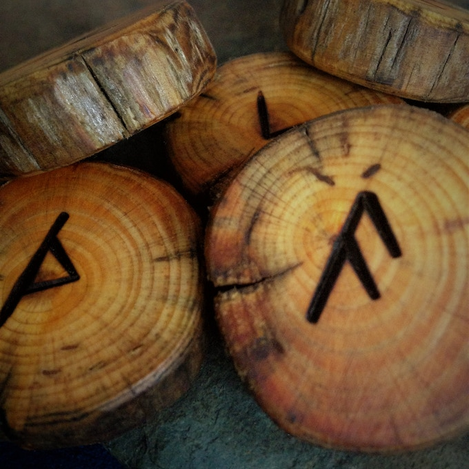 The Peasant's Hoard (Wooden Runes)