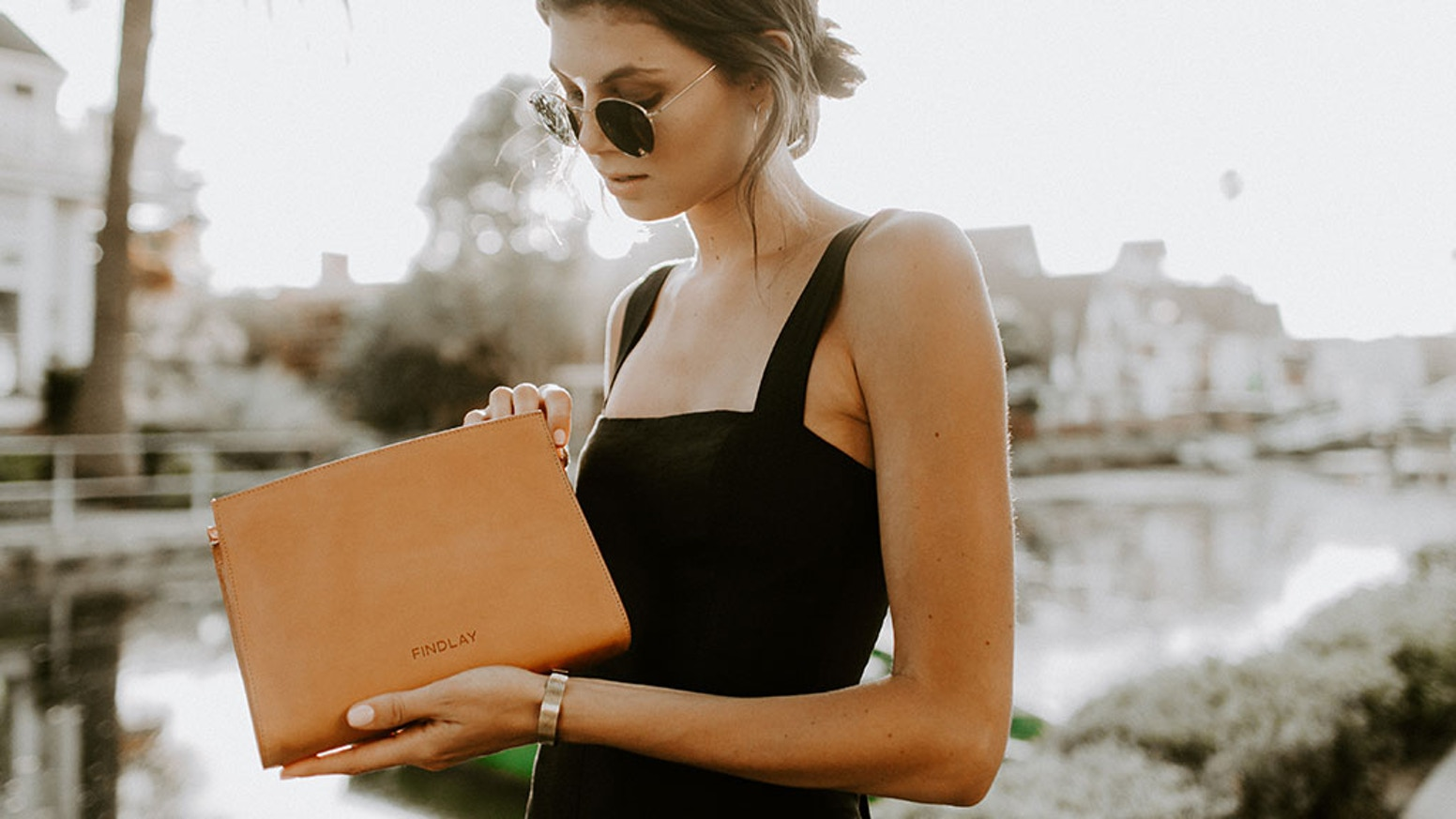 Findlay's Minimalist Leather Bags are ethically made in Italy for the conscious consumer