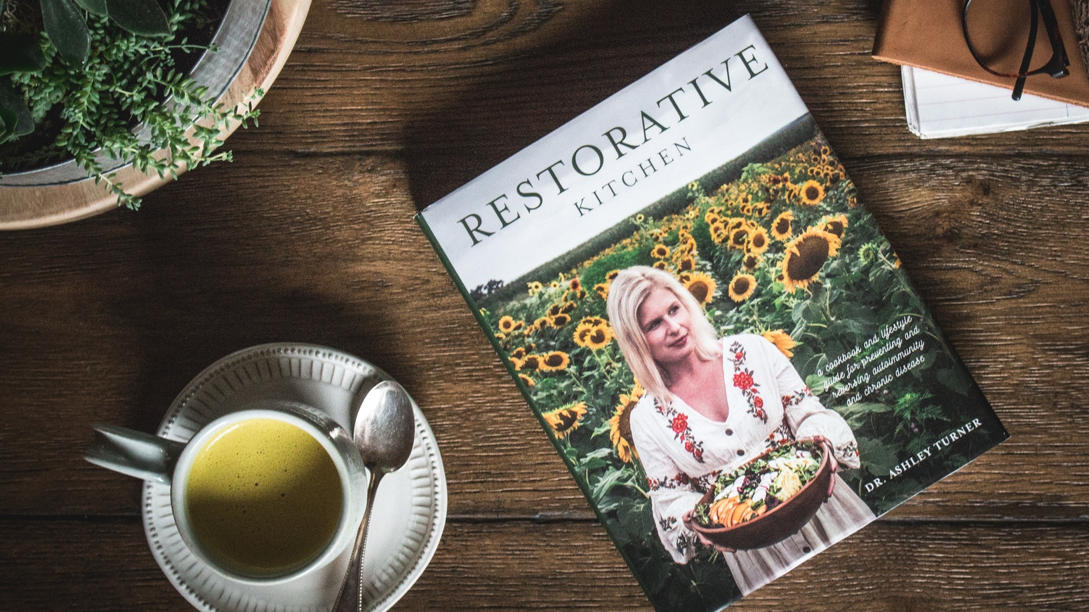 A cookbook and lifestyle guide for preventing and reversing chronic disease and autoimmunity
