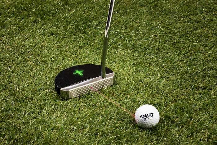 Last solution to your putting practice. The most accurate analysis and unparalleled precision. Even comes with a 3D golf green ripe for putting wherever whenever.