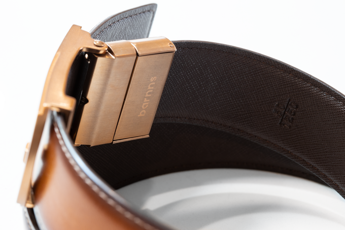 The buckle is made from stainless steel that guarantees added durability.