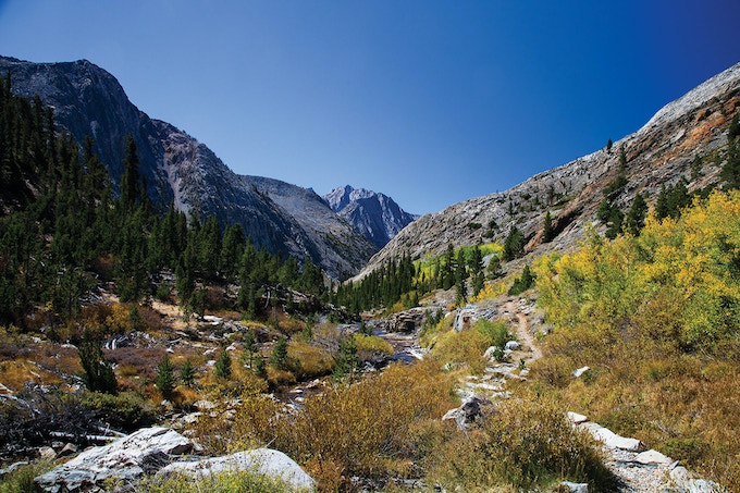 Hiking trails for days in the Eastern Sierra