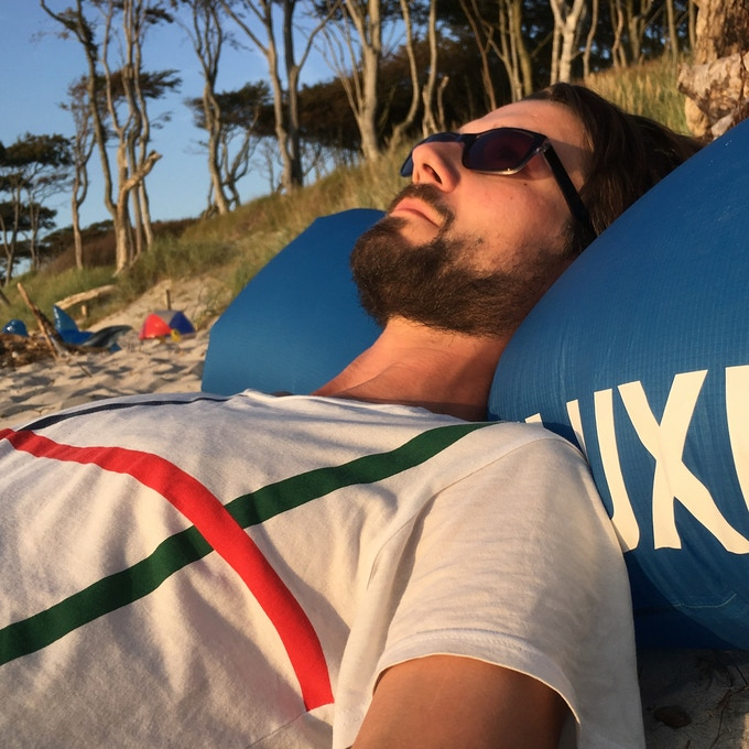 Need a pillow on the beach or on a trekking tour? FLUXBAG has you covered.