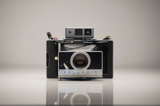 THE ICONIC POLAROID 180