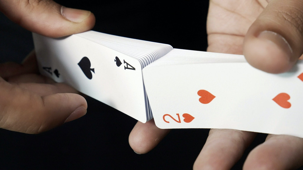 Air Deck 2.0 - The ultimate travel playing cards project video thumbnail