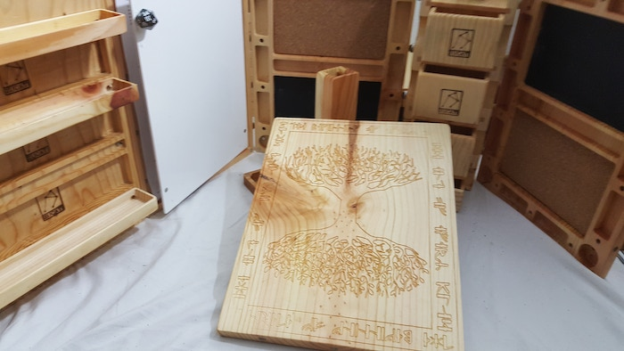 Detail on requested Tree of Life Engraving on Character and map panels.