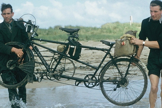 Top-tube panniers in the archives