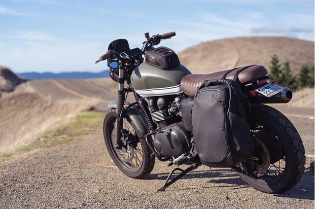 Travel Backpack pannier?! Don't mind if we do. Gorgeous bike, @mbennettphoto.