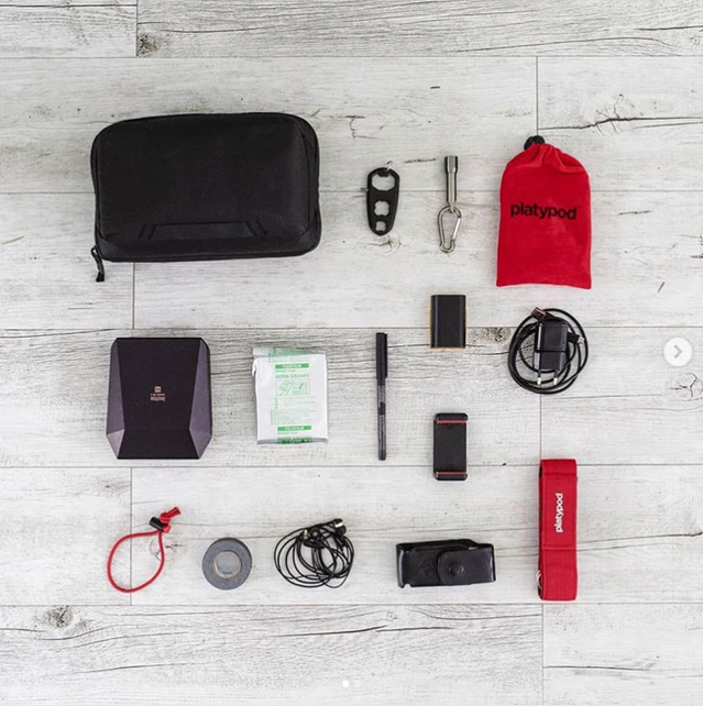 We don't know why it looks so irresistably good to take everything out of your bag and arrange it at right angles, and frankly, we don't care. We just WANT MORE. @basephotography