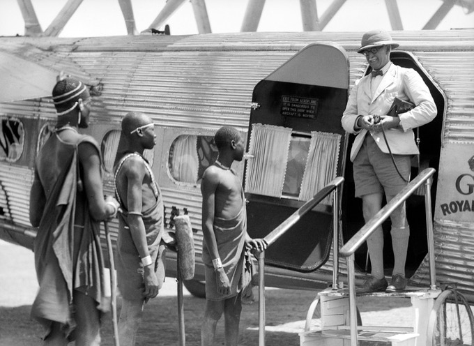 A British tourist arriving in Sudan, Africa ( 1936 )/Matson Photo Service Collection