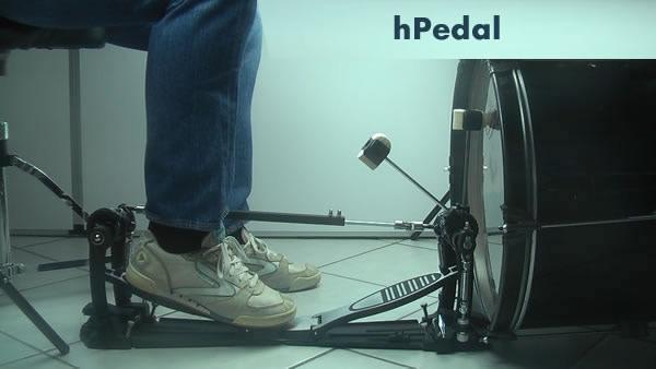 heel kick sitting