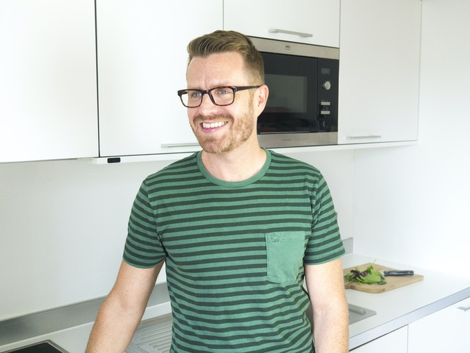 From chain-smoking meat eater to top vegan chef, Philipp loves nothing more than to inspire people to include more vegan dishes in their diets.