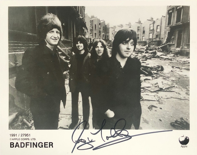 Badfinger photo #27951 Autographed by Joey Molland