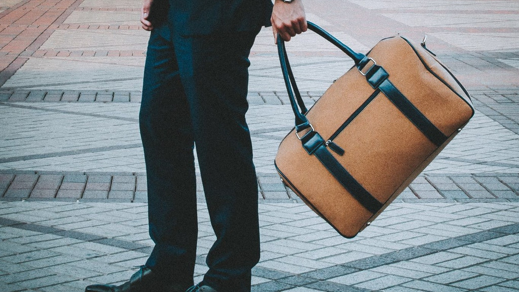 The World's First Premium Cork Duffle Suitcase: 17 Features