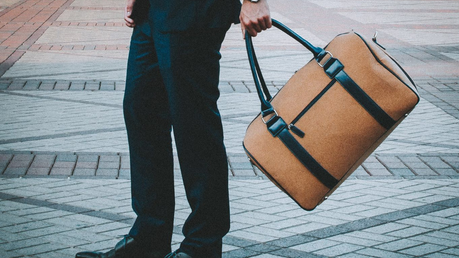 Mi Terro CDS: The world's first premium cork duffle suitcase