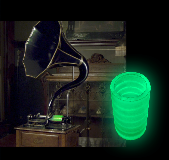 Glowing wax cylinder on an original 1905 Edison phonograph