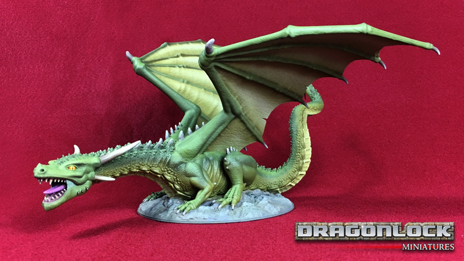 Dragonlock™ 3D Printable Miniatures is a collection of fantasy miniatures designed to 3D print without slicer supports.