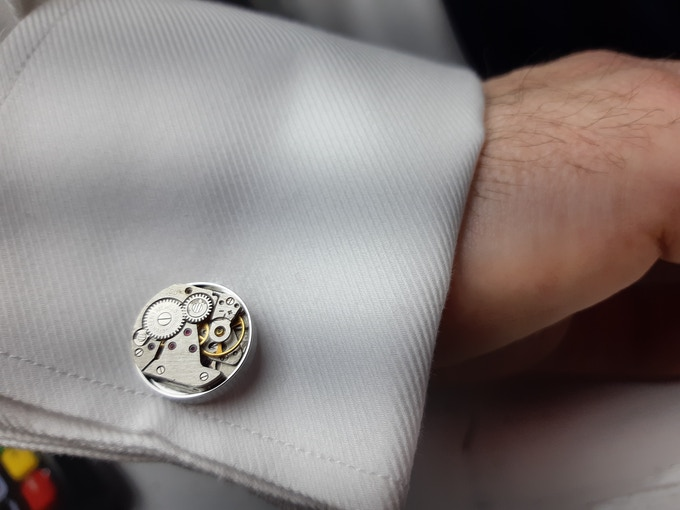 This is how smart you will look wearing these unique cufflinks, kickstart your look!