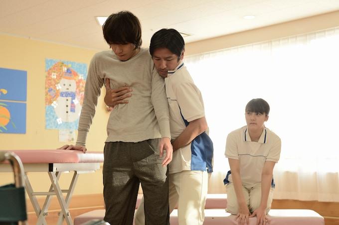Scene Photo (Patient Tsuge, Department Chief Hino and Haruka)