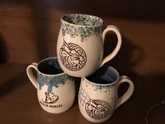 Handcrafted mugs by Eva Hozinez