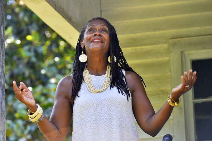 LH at Nina Simone birthplace (photo by Alex C.  Hicks Jr/The Spartanburg Herald-Journal)