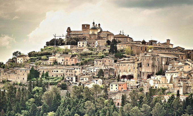 The town of Amelia, in Umbria, the seat of the ARCA Program