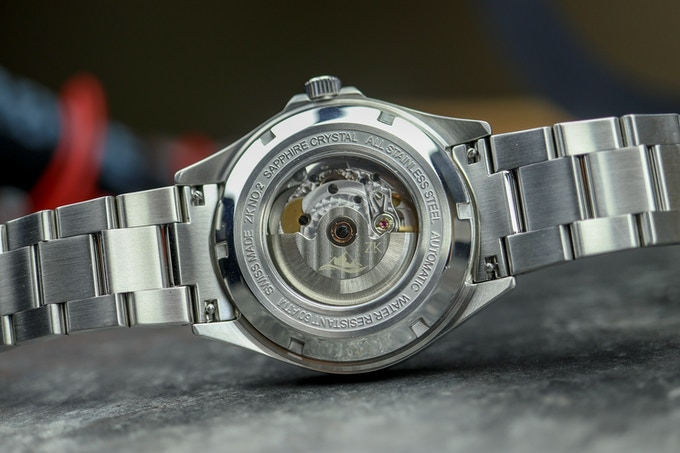 See through case back and easy release system - watchreport.com