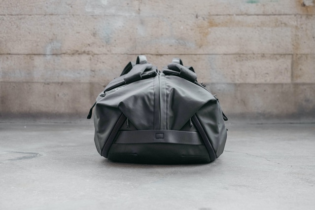 By incorporating carry handles on the top and bottom of the Duffelpack, we can resolve the straight zipper path directly into those handles. This makes for an aesthetically clean resolution that is both durable and allows for the bag to be opened up wide. It also makes the whole thing look that much more like a burrito, and who can resist that?