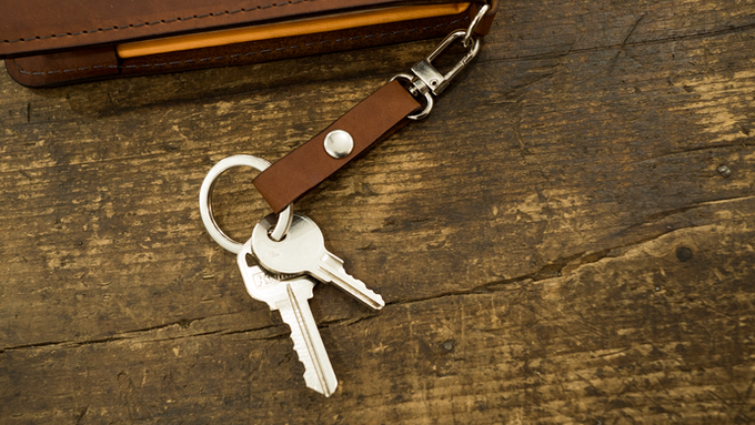 Clip your keys, badge holder, or other quickly accessible items to the detachable key chain.