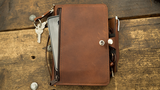 Keep your notes, pen, phone, wallet, keys, notes, cards, and cables all in one compact and easy to carry package.
